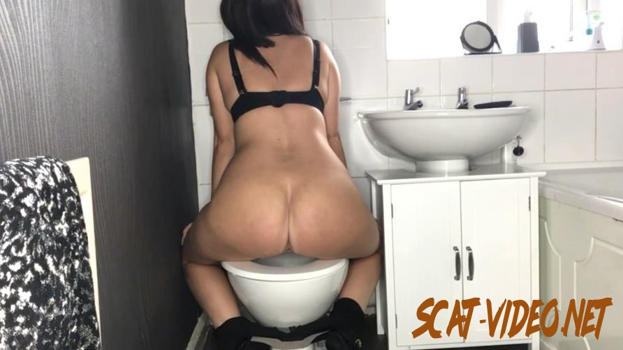 Special #1045 Toilet Amateur Shitting, Self Filmed (2020) [FullHD/1.1045_BFSpec-1045]